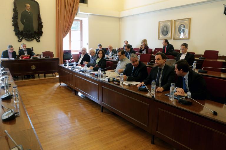 Αποχώρησαν τα κόμματα από την προανακριτική | tanea.gr