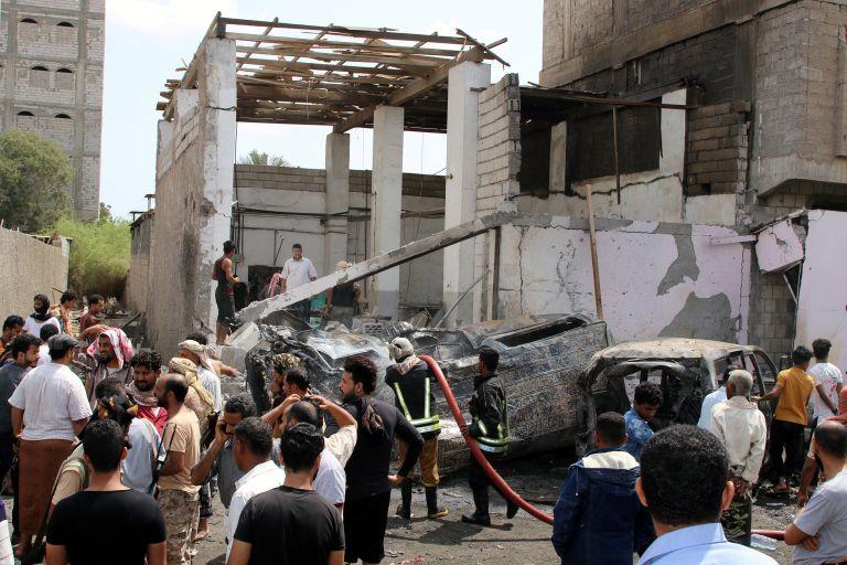 Επίθεση αυτοκτονίας στην Υεμένη: Τουλάχιστον 5 νεκροί   tanea.gr