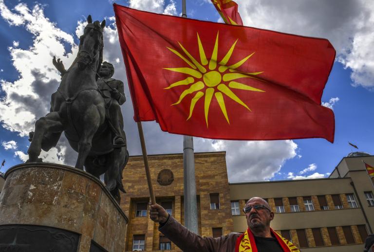 ΠΓΔΜ: Κόντρα Ζάεφ – Ιβάνοφ για την αλβανική γλώσσα | tanea.gr