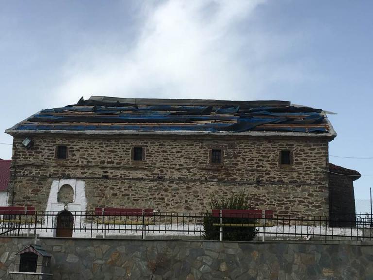 Ανεμοθύελλα προκάλεσε καταστροφές στο δήμο Δεσκάτης | tanea.gr