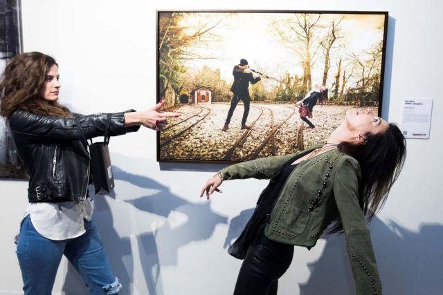 The Walking Dead Art: τα ζόμπι κάνουν τέχνη στο Ωδείο Αθηνών   tanea.gr