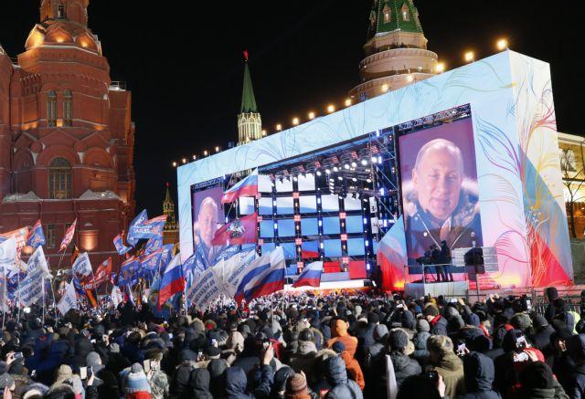 Σαρωτική επανεκλογή του Πούτιν με πάνω από 73% | tanea.gr