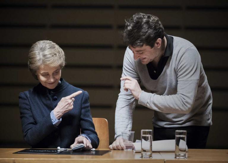 Τι γυρεύει η Σαρλότ Ράμπλινγκ στο Εθνικό Μουσείο Σύγχρονης Τέχνης; | tanea.gr