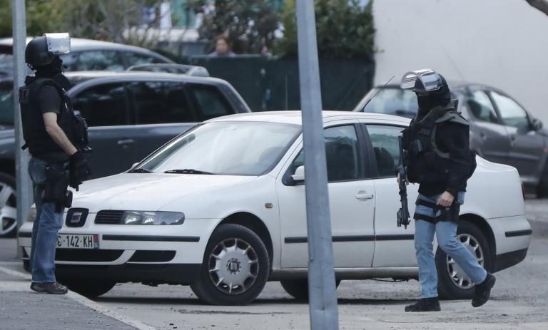 Γαλλία: Συνελήφθη ο άνδρας που επιτέθηκε σε στρατιωτικούς | tanea.gr