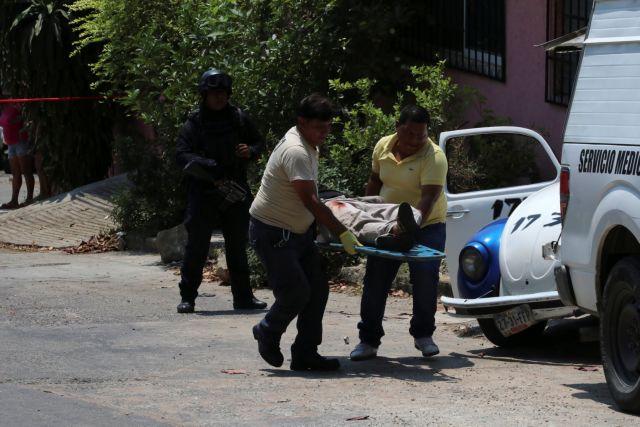 Μεξικό: 15 πτώματα σε φορτηγάκι στην άκρη του δρόμου | tanea.gr