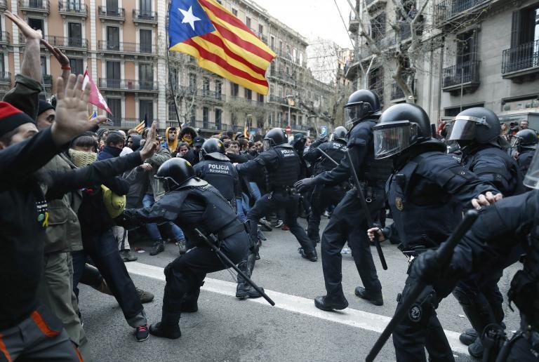 Επεισόδια στην Καταλωνία στον απόηχο της σύλληψης Πουτζντεμόν | tanea.gr