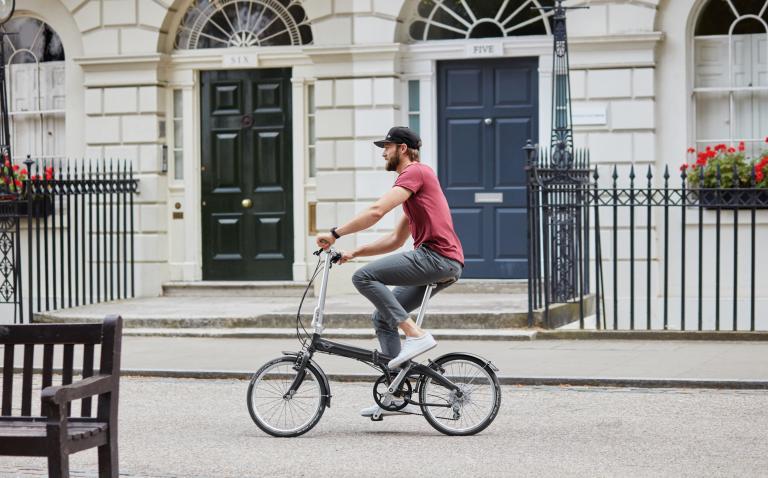 Πτυσσόμενο ποδήλατο από τη Mini | tanea.gr