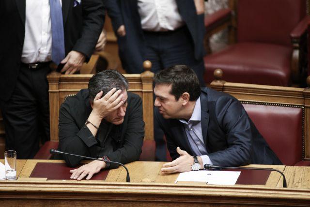 Εμφύλιοι τορπιλίζουν τη συγκυβέρνηση   tanea.gr