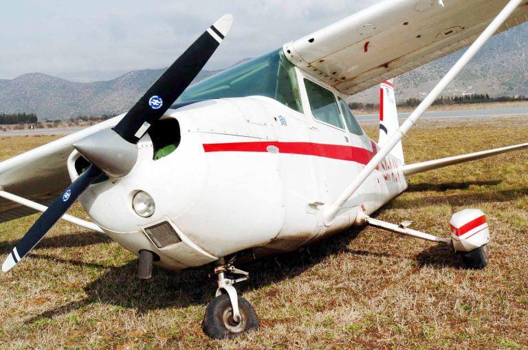 Τραγωδία στη Φωκίδα: Δύο νεκροί από πτώση μονοκινητήριου αεροπλάνου (βίντεο) | tanea.gr