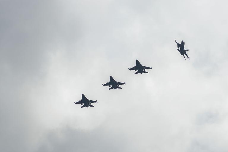 Αφησαν στη… μέση την παραβίαση δύο τουρκικά F-16 | tanea.gr