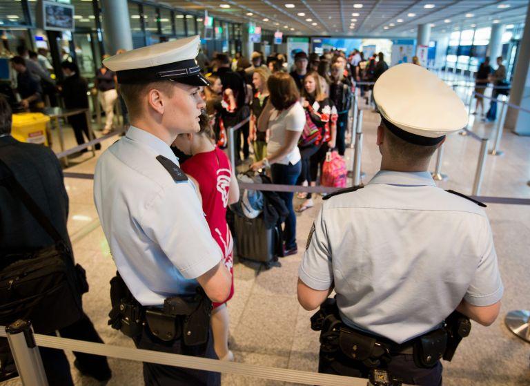 Η Γερμανία «κόβει» τους ελέγχους στις πτήσεις από Ελλάδα | tanea.gr