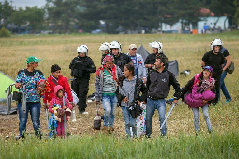 Εφιάλτης στον Εβρο: Η Τουρκία «άνοιξε» τα σύνορα για πρόσφυγες – μετανάστες | tanea.gr
