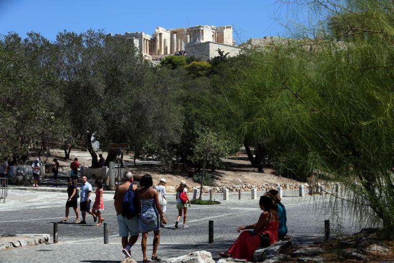 Επιθέσεις ληστών με μαχαίρια στην Ακρόπολη   tanea.gr