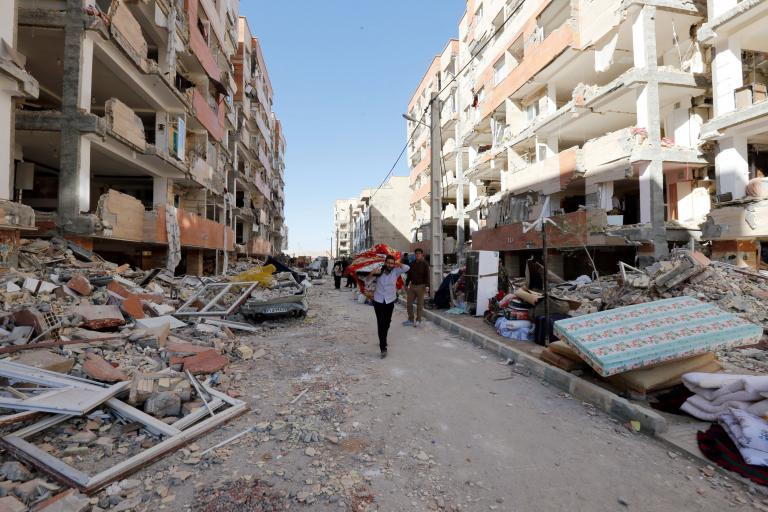 Σεισμός 5,3 βαθμών της κλίμακας Ρίχτερ στο Ιράν | tanea.gr