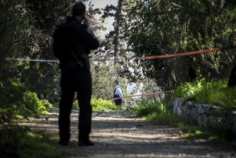 Πέντε άτομα λήστεψαν νεαρό ζευγάρι στου Φιλοπάππου | tanea.gr