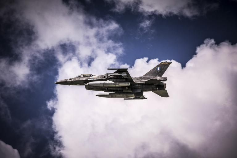 Νέες παραβιάσεις από οπλισμένα τουρκικά F-16   tanea.gr