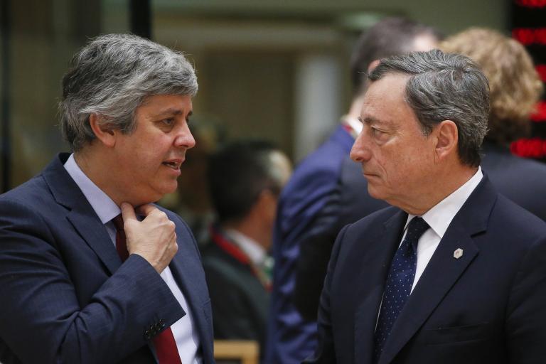 Δεν φοβάται τριγμούς στην ΕΕ από τους δασμούς ο Ντράγκι | tanea.gr