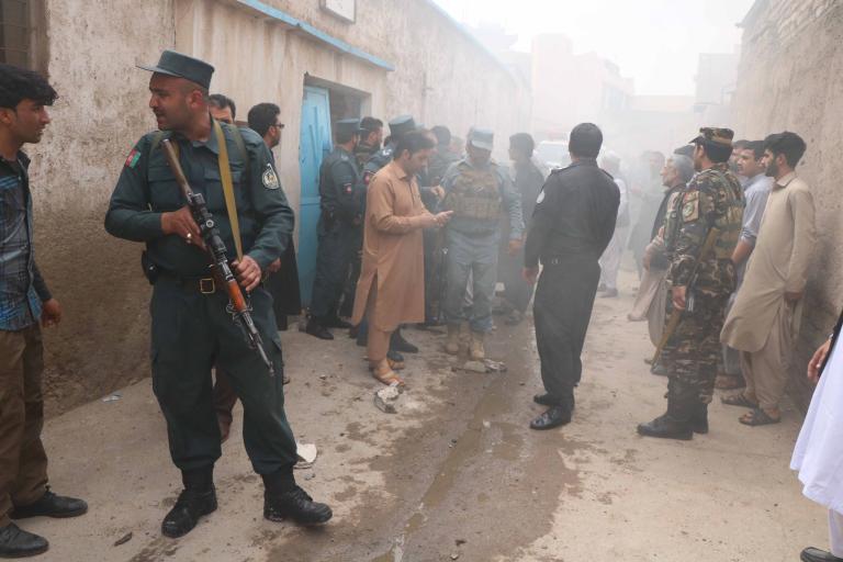 Αφγανιστάν: Καθιστική διαμαρτυρία και απεργία πείνας για την ειρήνη   tanea.gr