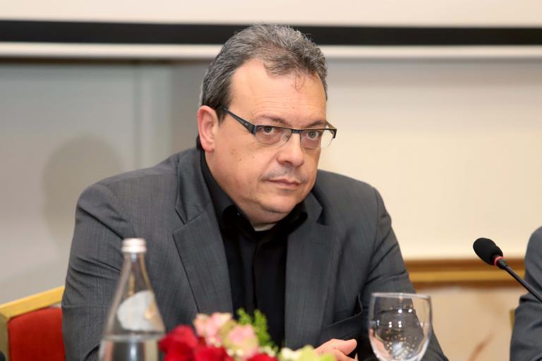 Νέα επιστολή Φάμελλου προς δημάρχους για τα οικιστικά όρια | tanea.gr