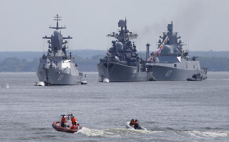Ρωσικά πλοία απέπλευσαν από τη βάση της Ταρτούς στη Συρία | tanea.gr