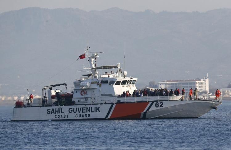 Τουρκικό σκάφος παρεμπόδισε διάσωση προσφύγων στη Χίο | tanea.gr