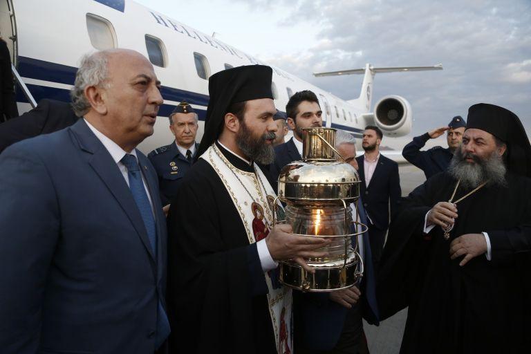 Στην Αθήνα έφτασε το Αγιο Φως   tanea.gr