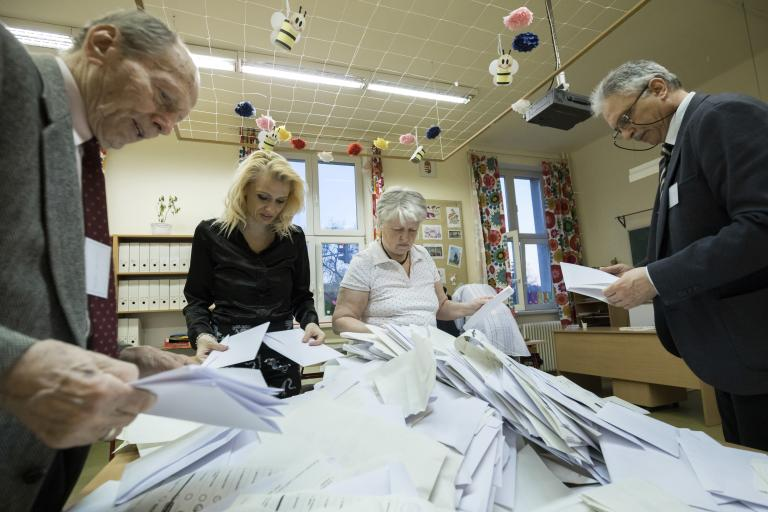 Ουγγαρία: Καθυστερεί η ανακοίνωση των πρώτων αποτελεσμάτων | tanea.gr