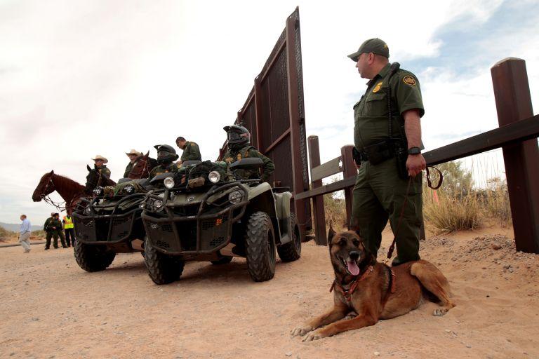 Ο Τραμπ στέλνει την Εθνοφρουρά στα σύνορα με το Μεξικό | tanea.gr