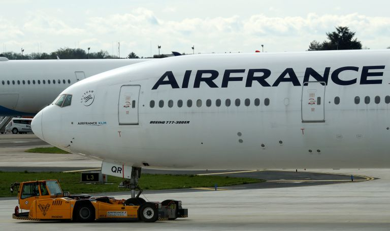 Δεκάδες χιλιάδες επιβάτες έχασαν τις πτήσεις τους | tanea.gr