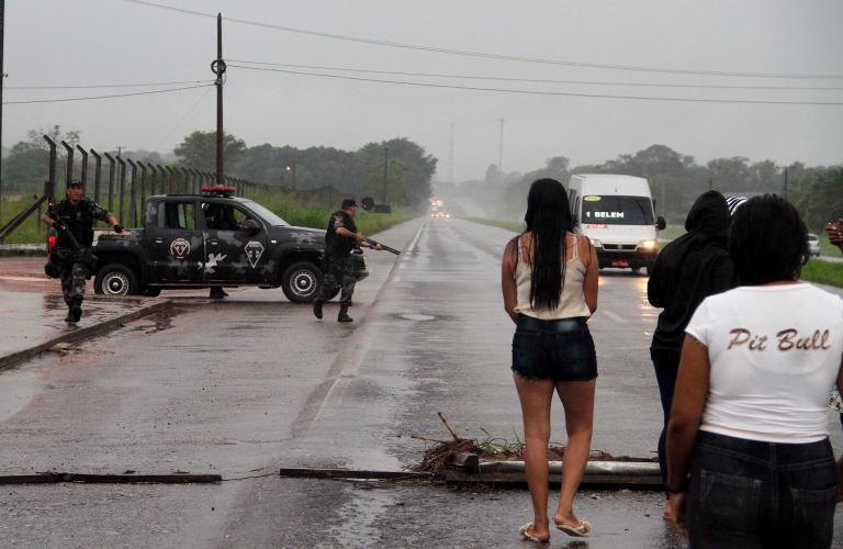 Εικοσι νεκροί σ' απόπειρα απόδρασης στη Βραζιλία   tanea.gr