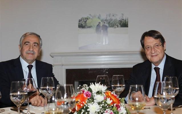 Συζήτηση Αναστασιάδη –  κομμάτων για δείπνο με Ακιντζί | tanea.gr