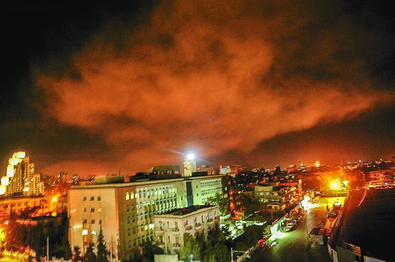 Τζόνσον: Δεν υπάρχει πρόταση για νέες επιθέσεις στην Συρία | tanea.gr