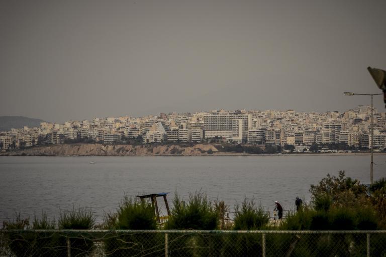 Η αφρικανική σκόνη «πνίγει» ξανά την Αθήνα | tanea.gr