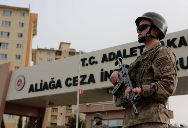Τουρκία: Αθώος δήλωσε ο αμερικανός πάστορας κατά την έναρξη της δίκης του   tanea.gr