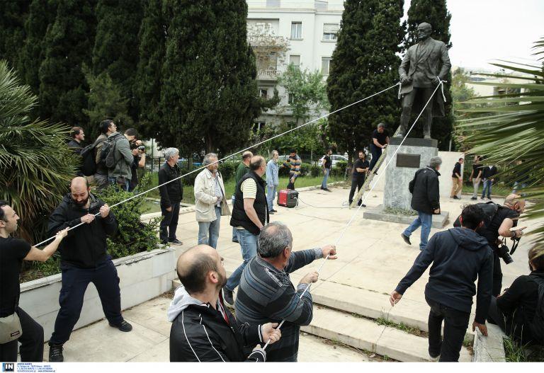 Επεισόδια και συλλήψεις στο αντιπολεμικό συλλαλητήριο | tanea.gr