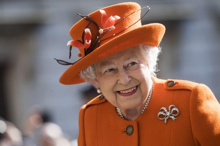 Η βασίλισσα Ελισάβετ στην εκκίνηση του Μαραθωνίου στο Λονδίνο | tanea.gr