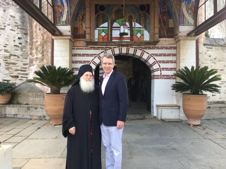 Στο Αγιον Ορος ο Τζέφρι Πάιατ   tanea.gr
