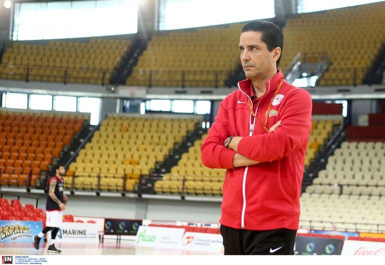 Σφαιρόπουλος: «Χρησιμοποιεί παλιά κόλπα για τους διαιτητές ο Σάρας» | tanea.gr