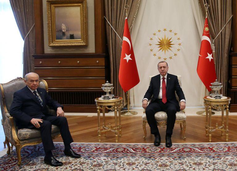 Γιατί ο Ερντογάν ανακοίνωσε πρόωρες προεδρικές και βουλευτικές εκλογές   tanea.gr