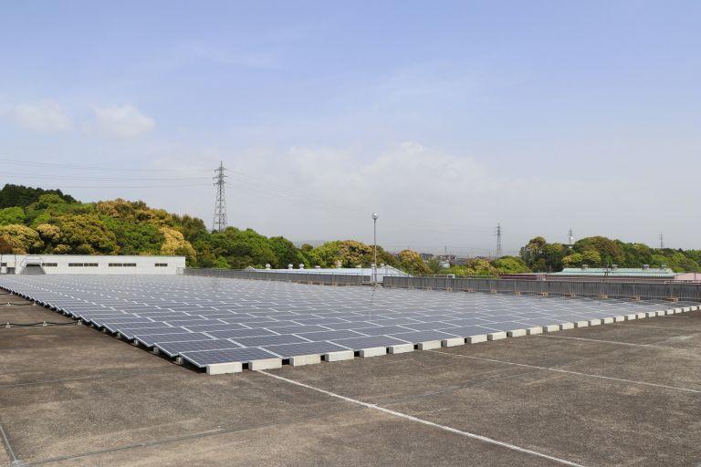 Ενεργειακό πάρκο με μπαταρίες ηλεκτροκίνητων μοντέλων της Nissan   tanea.gr