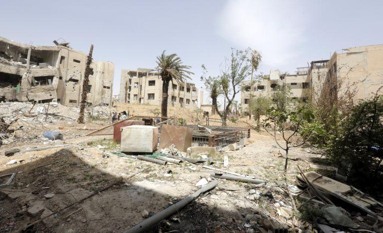 Συρία: Βρέθηκαν δεκάδες πτώματα σε ομαδικό τάφο | tanea.gr