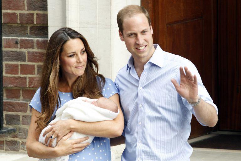 Το βασιλικό μωρό και το βάρος της βρετανικής παράδοσης | tanea.gr