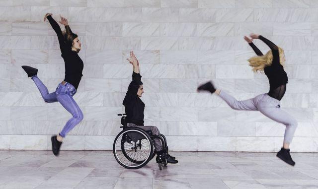 Χορογραφίες με ελεύθερη πρόσβαση για άτομα με αναπηρίες και μη | tanea.gr