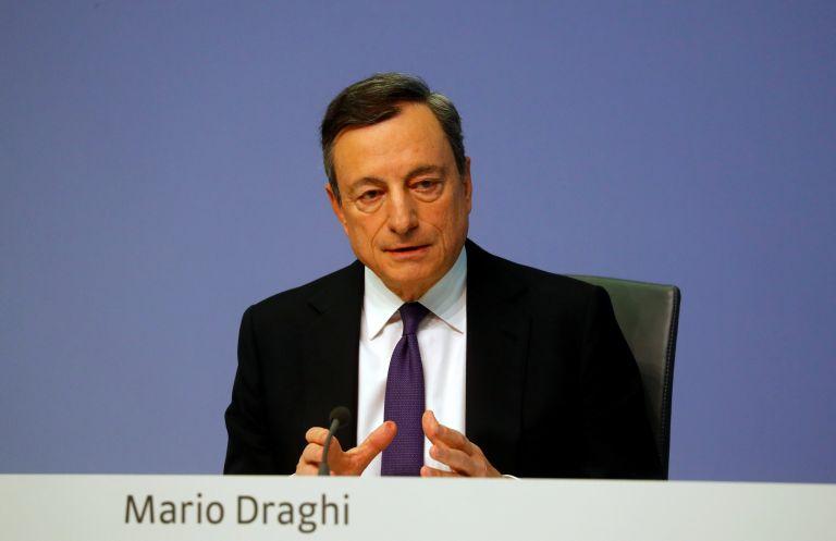 Σημάδια κάμψης στην ανάπτυξη της ευρωζώνης διαπιστώνει ο Ντράγκι   tanea.gr