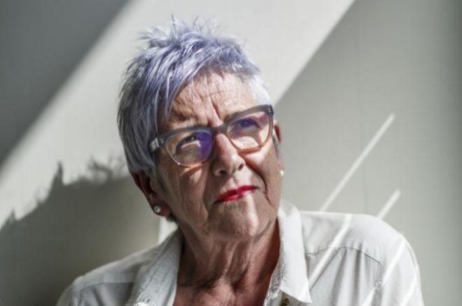Ψάχνει δουλειά για τους δολοφόνους του συζύγου της | tanea.gr