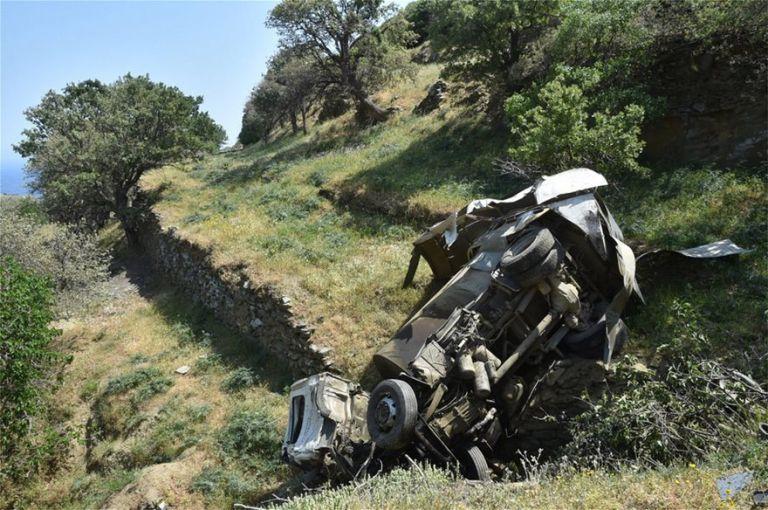 Συγκλονιστικές φωτογραφίες από το τραγικό δυστύχημα στην Τήνο   tanea.gr