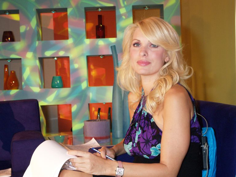 Εξαλλη η Ελένη Μενεγάκη με τα όσα γίνονται στο γάμο του Χάρι και της Μέγκαν | tanea.gr