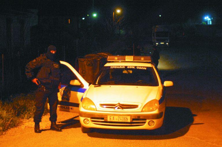 Πυροβολισμοί εναντίον αστυνομικών στα Ανω Λιόσια   tanea.gr