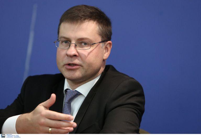 Ντομπρόβσκις: Μέχρι τον Ιούνιο η συμφωνία για το χρέος | tanea.gr