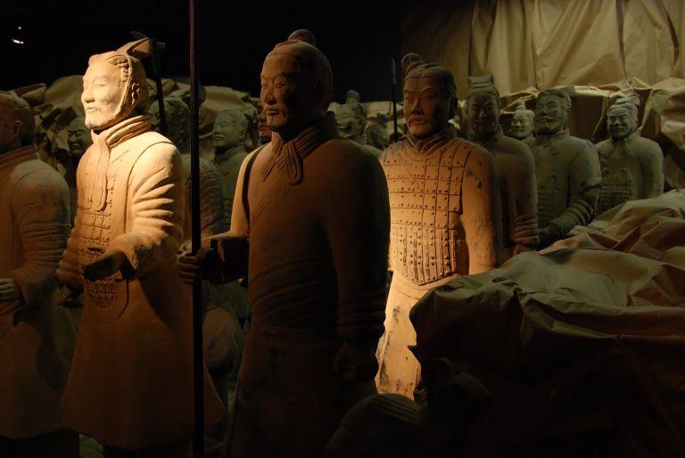 Πέθανε ο αρχαιολόγος που ανακάλυψε τον «Πήλινο Στρατό» | tanea.gr